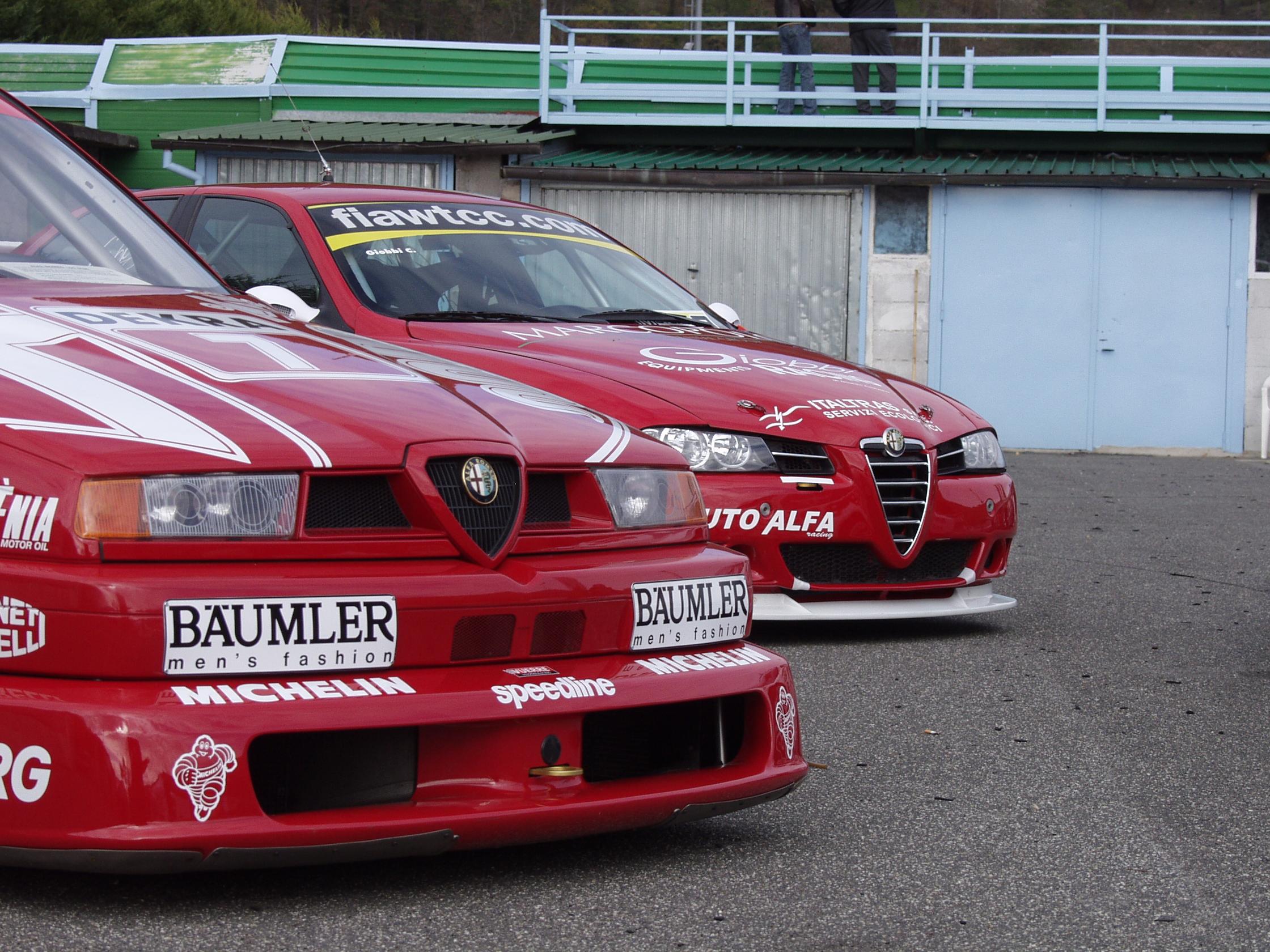 L' Alfa Romeo 155 V6 TI vista